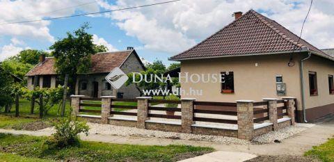 Eladó Ház, Baranya megye, Felsőszentmárton - Dráva mellett felújított vendég ház és pajta