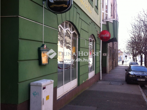 Eladó Üzlethelyiség, Baranya megye, Pécs - Történelmi Belvárosban 103 nm-es üzlethelyiség eladó