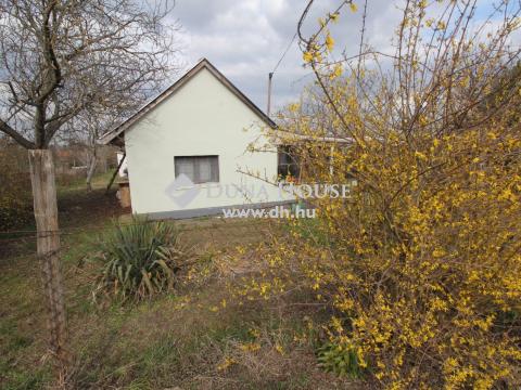 Eladó Ház, Bács-Kiskun megye, Kecskemét - 40 m2-es kis gazdasági épület a Kiskertek városrészben!
