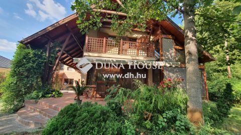 Eladó Ház, Bács-Kiskun megye, Kecskemét - Nappali+5szobás családi ház dupla garázzsal 884 nm teleken.