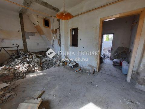Eladó Ház, Bács-Kiskun megye, Kiskunfélegyháza - Kossuthváros elején saját udvaros ház