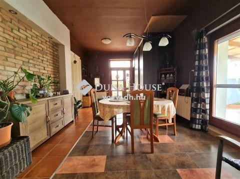 Eladó Ház, Fejér megye, Iváncsa - Igényes családi ház Iváncsa központjában