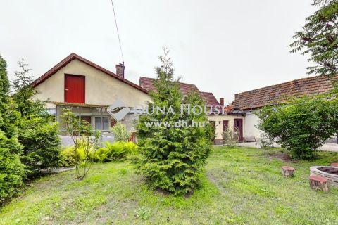 Eladó Ház, Bács-Kiskun megye, Kecskemét - Jó állapotú ház a VACSIKÖZBEN, 300 m2-es telken!