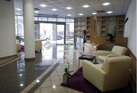 Eladó Ház, Budapest - M3 bevezetőnél 1000nm-es épület eladó