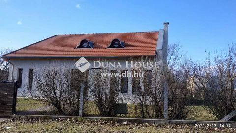 Eladó Ház, Veszprém megye, Veszprém - Ibolya utca eleje