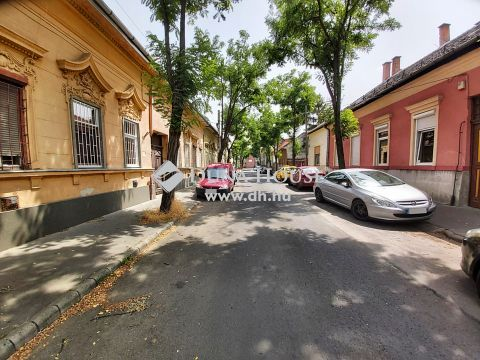 Eladó Lakás, Budapest - 4.ker. Vörösmarty u. felújított, tégla, 2 szobás, 38nm.