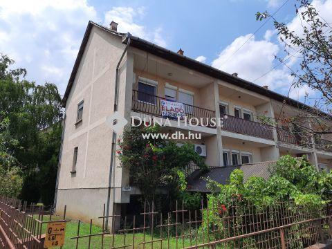 Eladó Ház, Bács-Kiskun megye, Kiskunfélegyháza - Három szintes sorház a Móravárosban garázzsal