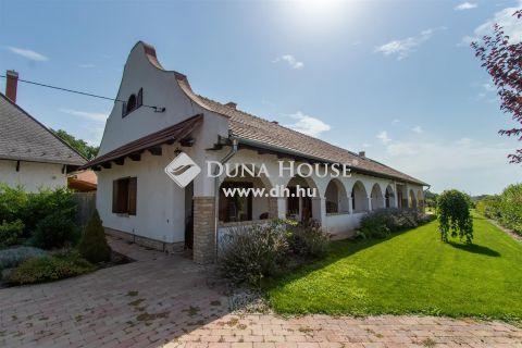 Eladó Ház, Veszprém megye, Balatonfőkajár - Impozáns parasztház a Balaton parttól 5 kilométerre