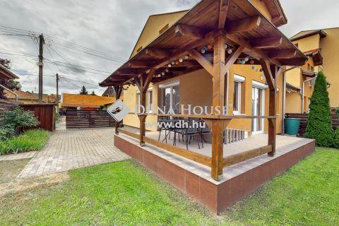 Eladó Ház, Pest megye, Dunakeszi - Kiváló állapotú, belső kétszintes kertes ház  Dunakeszi szívében